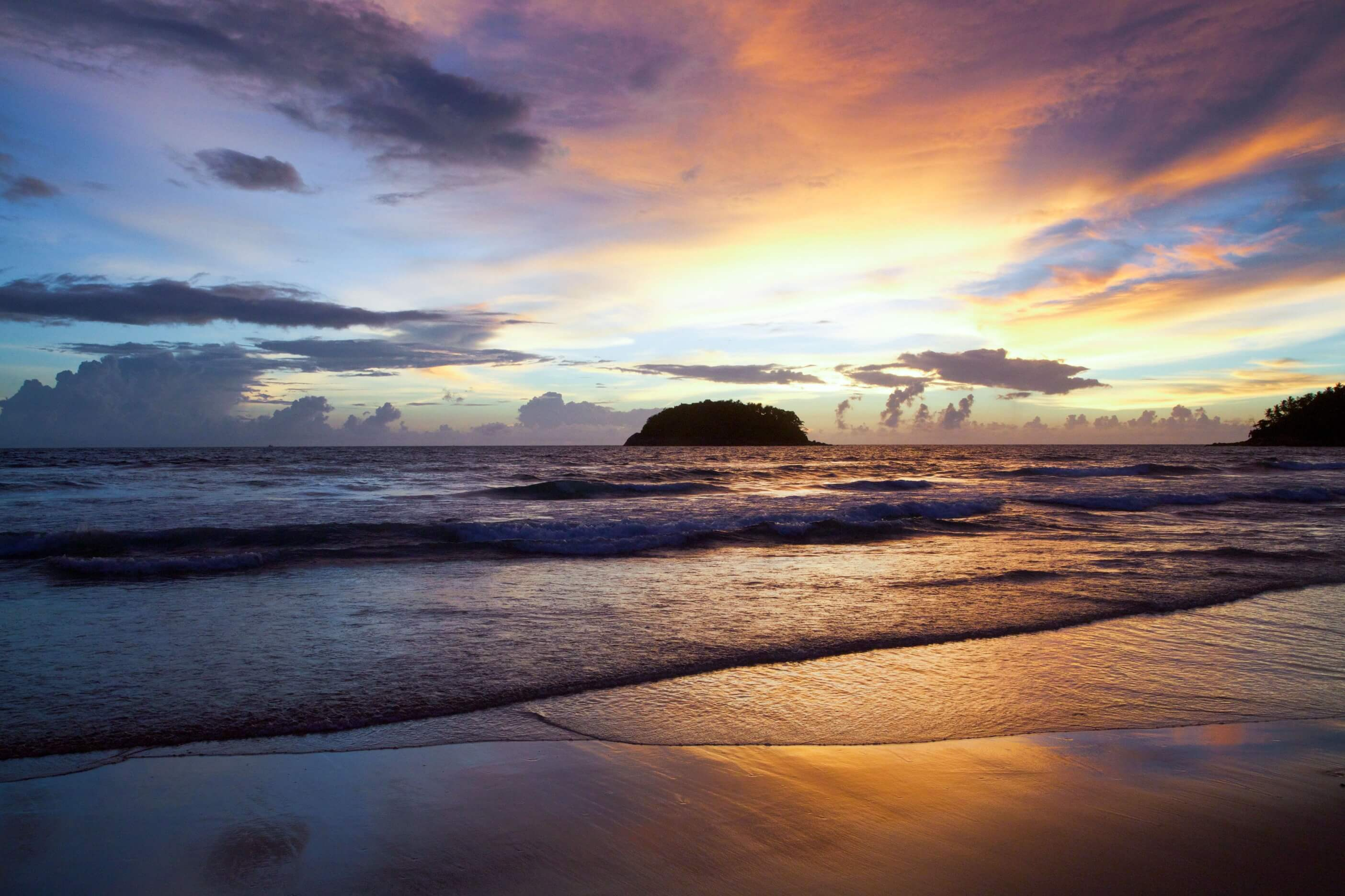 Jamaica Also Receives Plenty Of Sunshine During The Day Except For Late Afternoons When Short Periods Rain Take Its Place