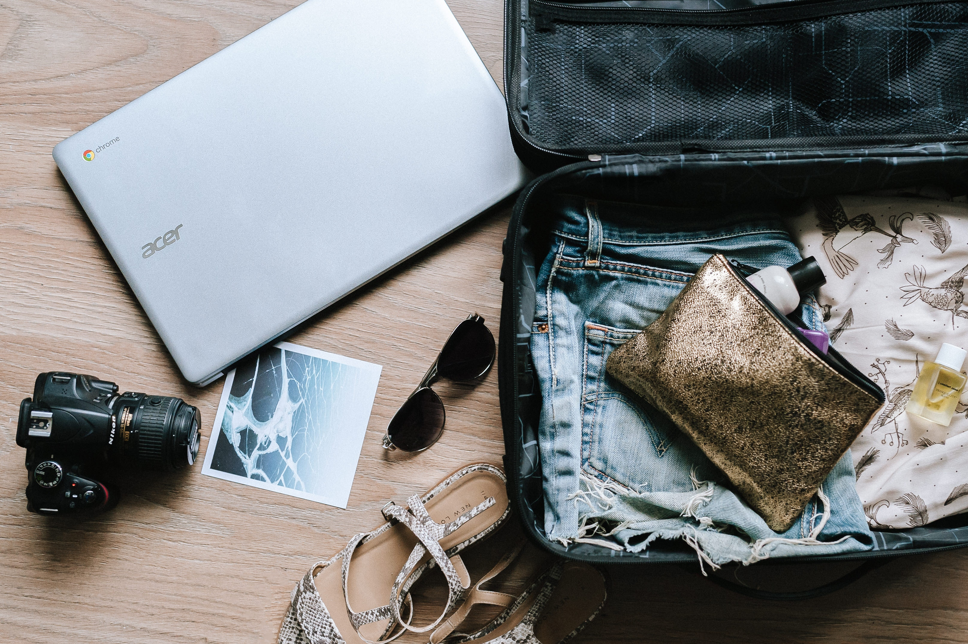 Women's Travel Essentials For Your Weekend Trip