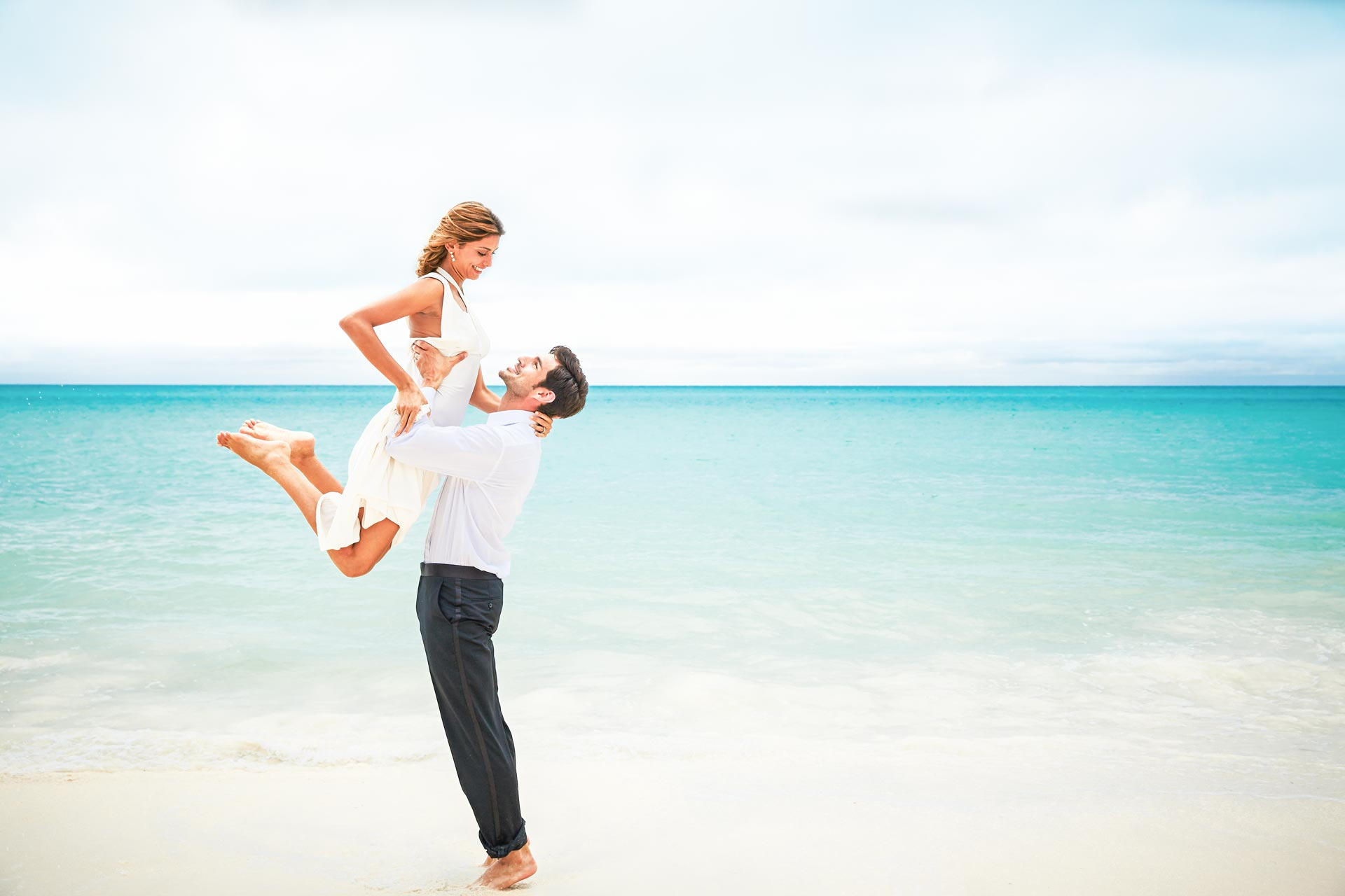 Stress-Free & Complete Elopement Checklist For Couples | Sandals