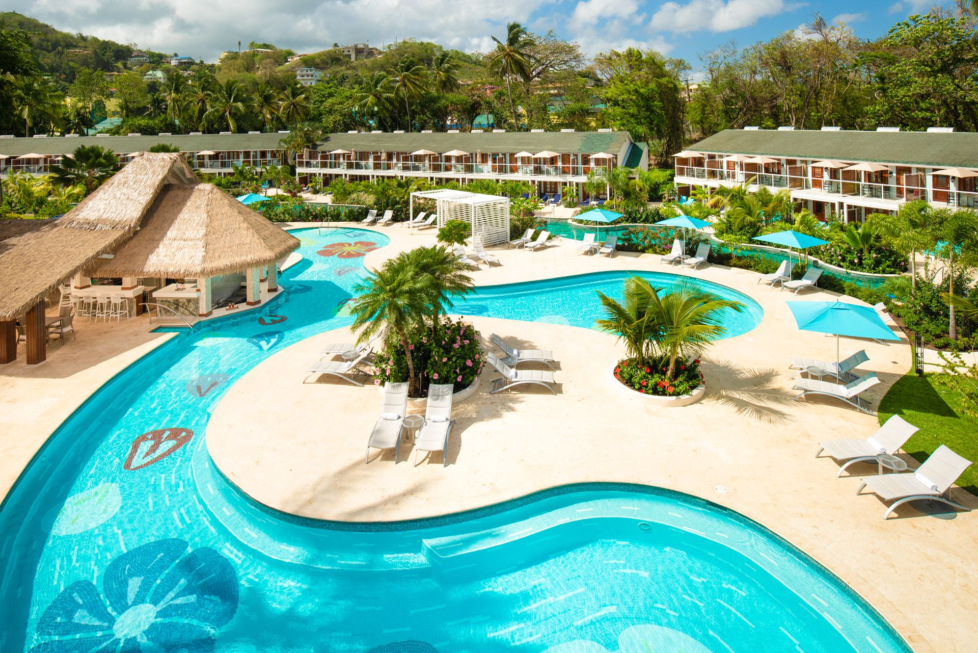 sandals halcyon swim up bar