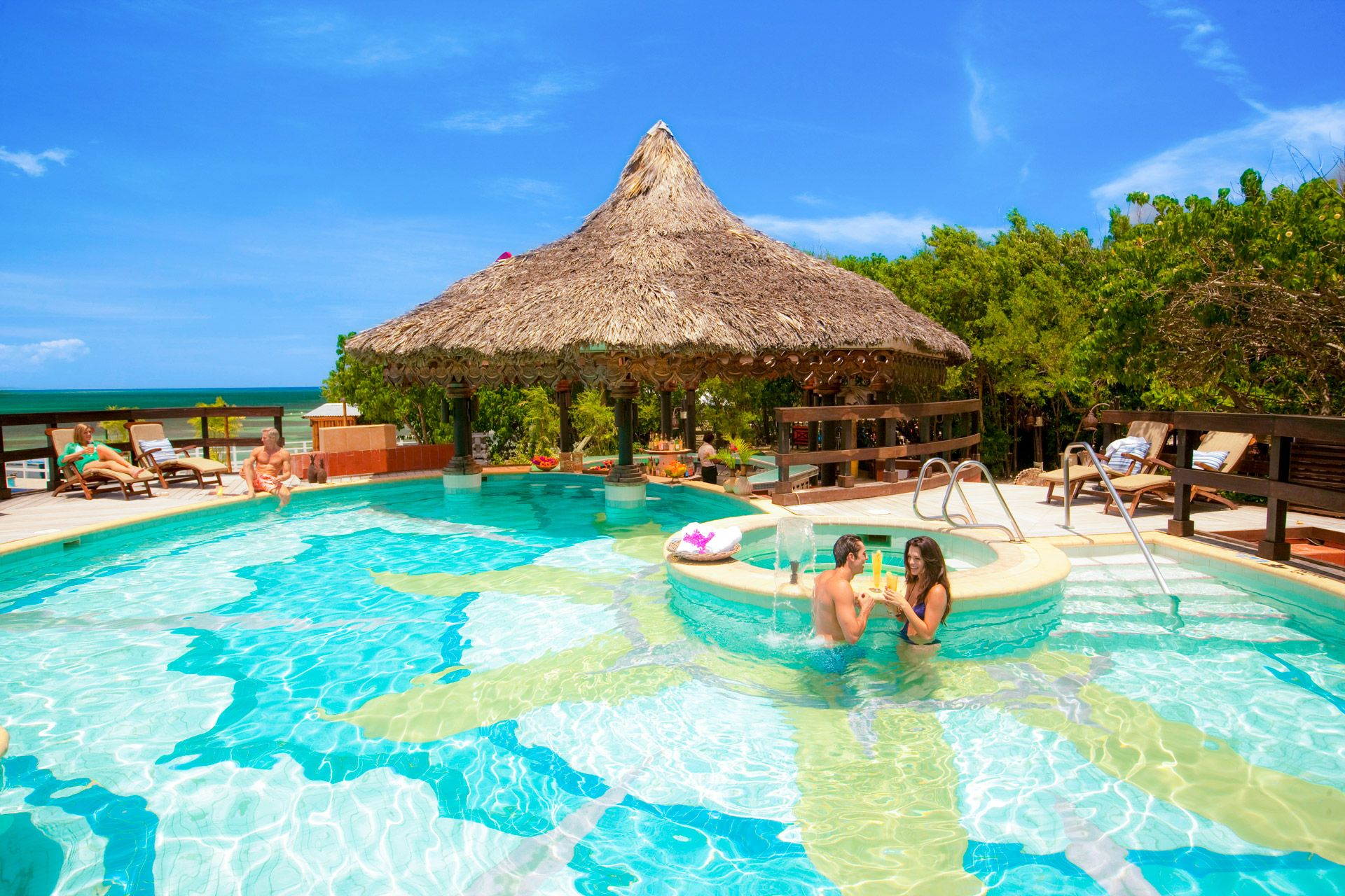 sandals royal caribbean swim up bar