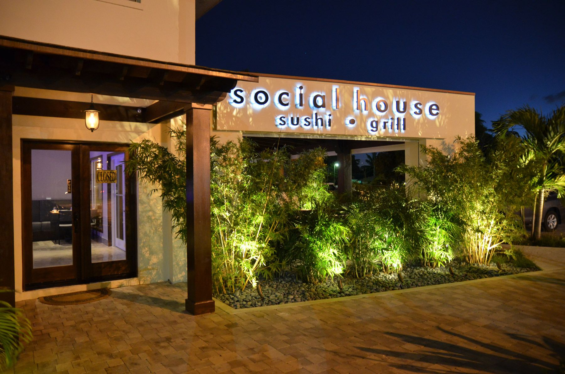 social house sushi & grill front view
