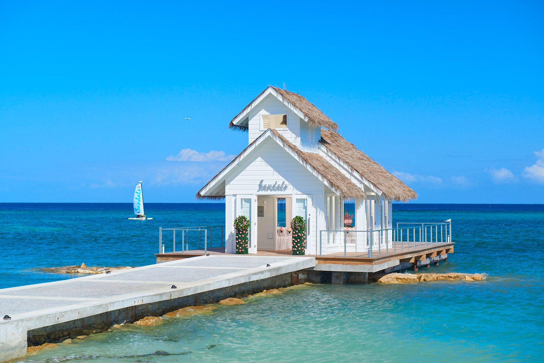sandalas montego bay over-the-water chapel