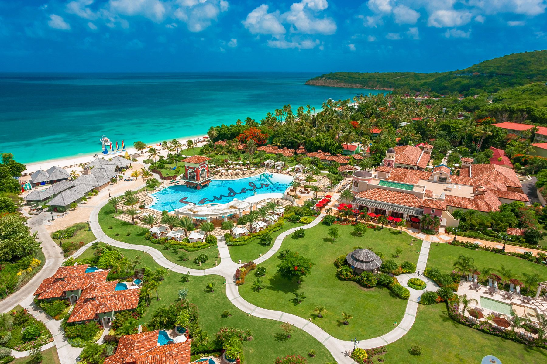 Three things guests love about... Sandals Grande Antigua. A full review.