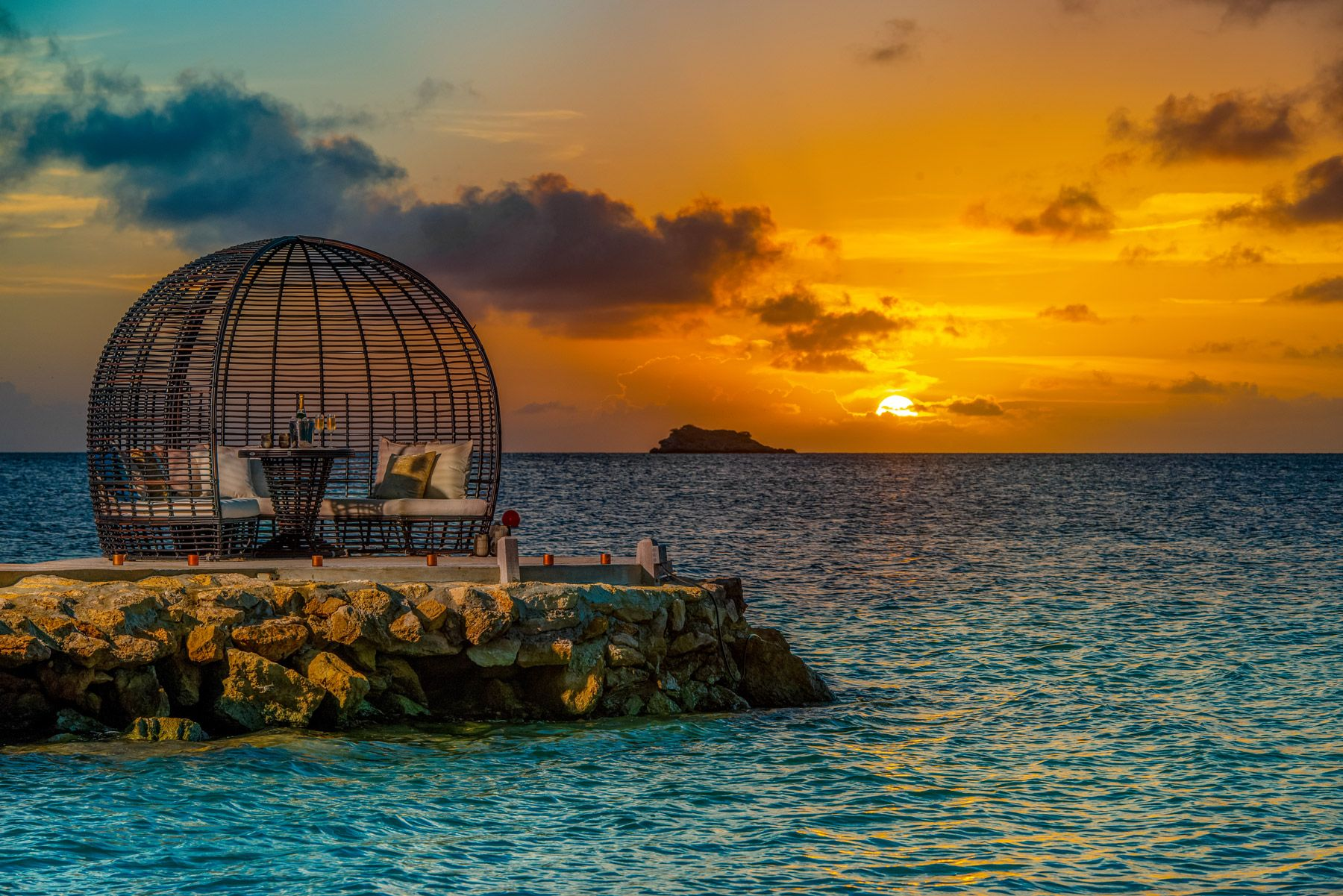 sunset pier basket lounge sandals grande antigua SAT