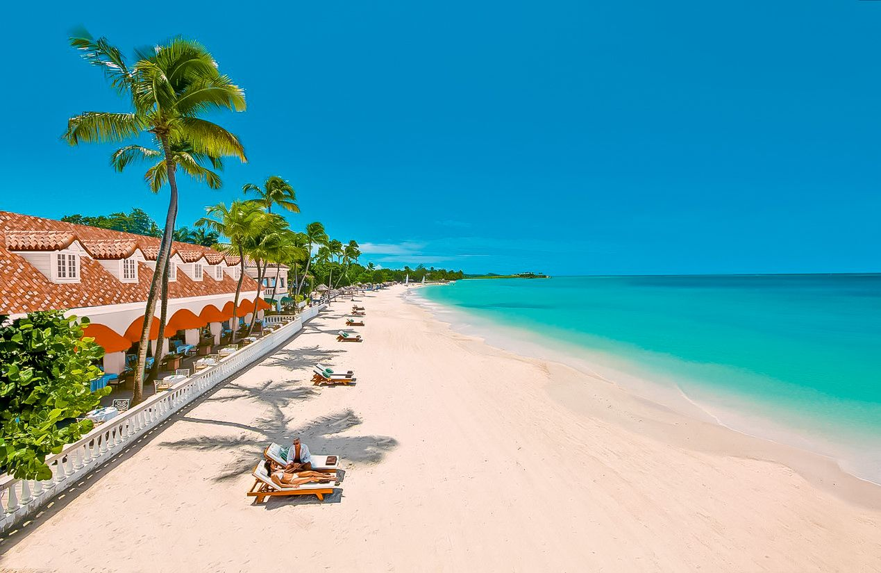 Sandals-Grande-Antigua-Long-Beach