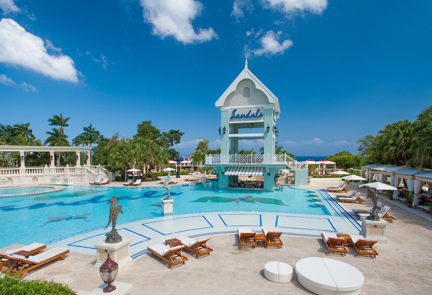 Sandals Ochi swimming pool